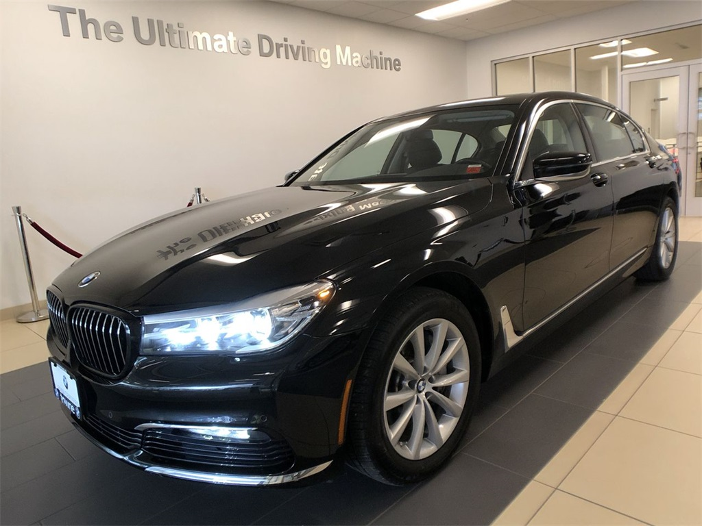 Pre-Owned 2017 BMW 7 Series 740i xDrive